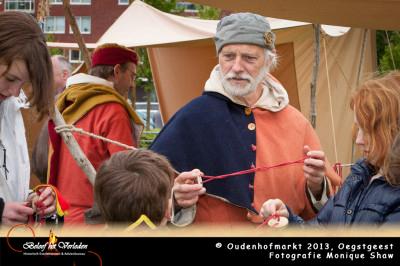 Oudenhofmarkt, touw slaan