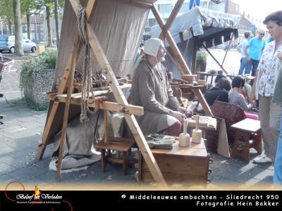 middeleeuwse hout bewerker