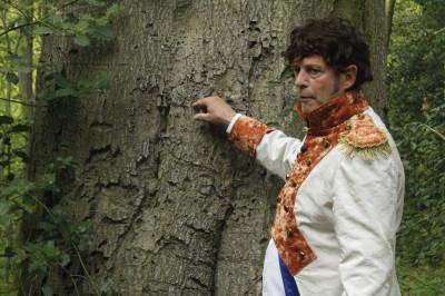 Lodewijk Napoleon heeft 200 jaar geleden in een boom gekerfd.  Fotografie: Inge Teunissen