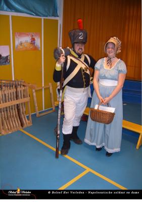 Napoleontische soldaat en dame