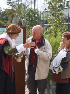 William Brewster in gesprek met publiek